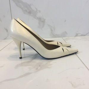 Stuart Wietzman   Vintage Pearl White Heels